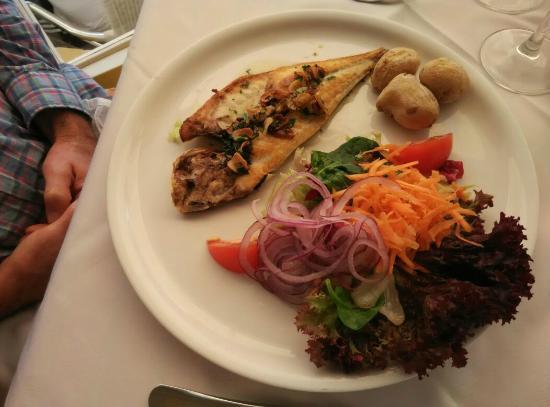 Waikiki Restaurant Snack-bar Grill : PESCADO FRESCO A LA PLANCHA