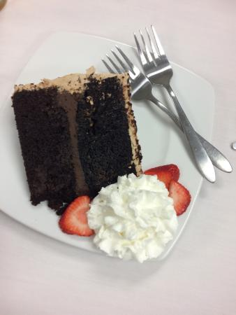 The Perfect Pear: Chocolate Cake!! Delicious!