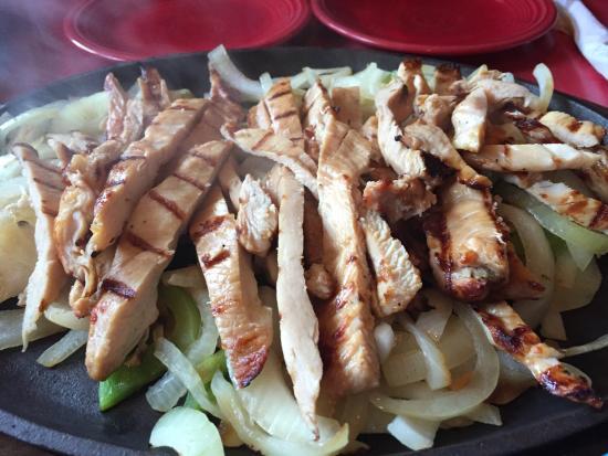 Casa Ramos : Chicken fajitas - warmed up tasted like prepackaged chicken.