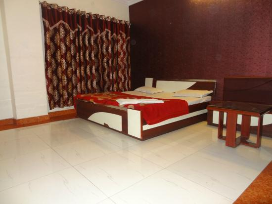 Hotel MG Residency: Super Deluxe Room