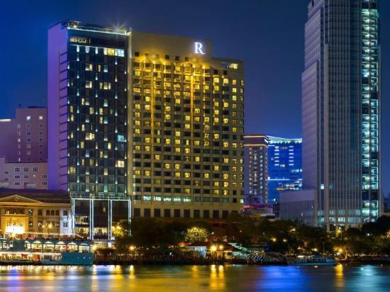 Renaissance Riverside Hotel Saigon : Renaissance by the river
