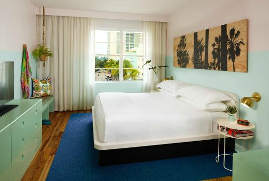 Photo of Haddon Hall Hotel Miami Beach