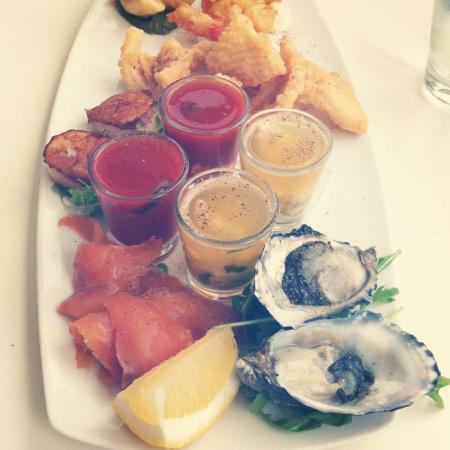 Bellakai: stunning seafood plate for 2...