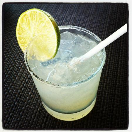 7 Seas Seafood Grille: best margaritas in Mexico...