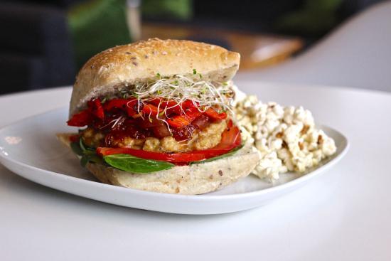 Communitea Cafe: Free Range Chicken Burger