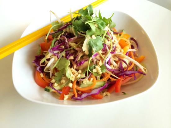 Communitea Cafe: Tangled Thai Salad