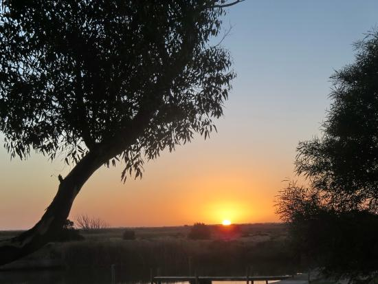 Goolwa Riverport Motel: Sunrise at Goolwa Riverport Motel