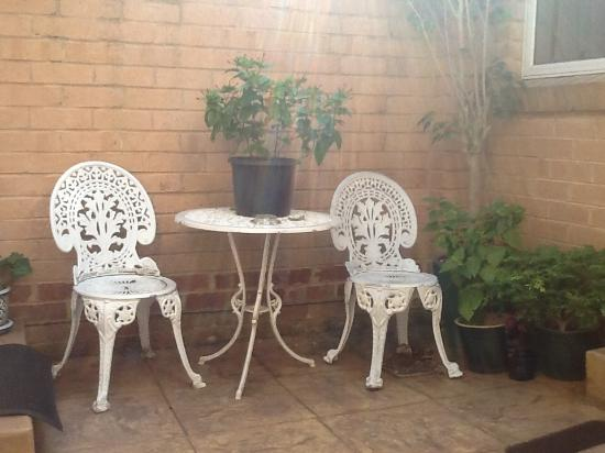 Bluebell Bed and Breakfast: Private Courtyard