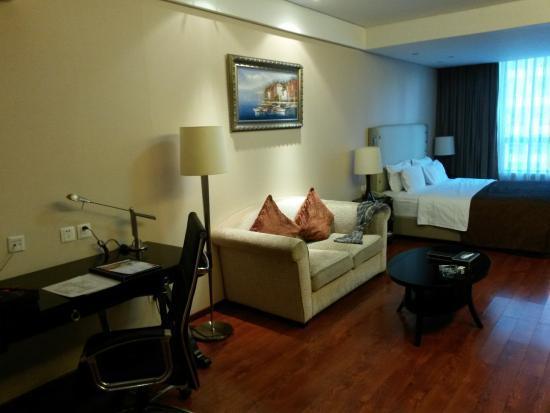 Huabin International Hotel: Вид на номер от кухни