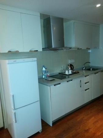 Huabin International Hotel: Кухня в номере