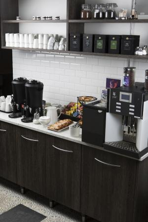 BEST WESTERN City Hotel: Free Coffee and Tea for our guests