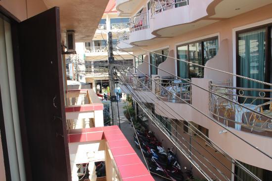 Ban Tyrol : Вид с балкона налево
