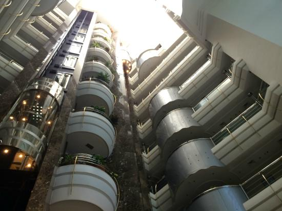 Sea View Hotel: Elevator