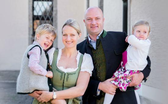 Die Haslachmühle: Ihre Gastgeber/Your hosts, Familie Ettenauer-Flöckner