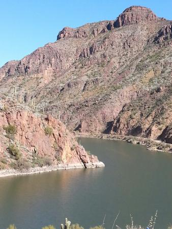 Roosevelt, AZ: Beautiful Apache Lake