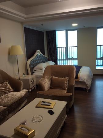 Louidon Meja Apartment Of Oriental Plaza