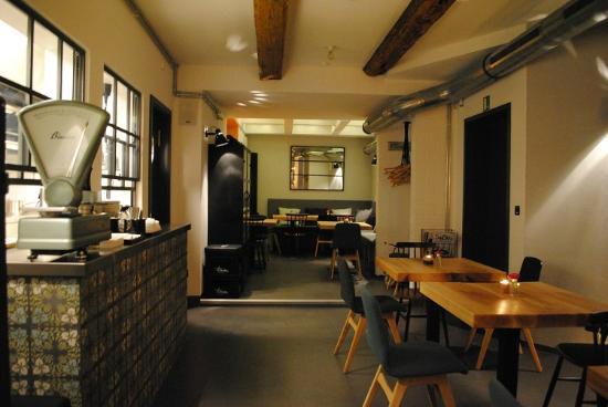 1627 Bar Restaurant