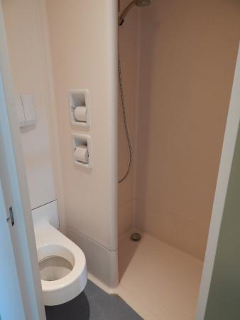 salle de bain photo de ibis budget clermont ferrand sud aubi re aubiere tripadvisor. Black Bedroom Furniture Sets. Home Design Ideas