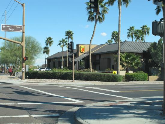 Super 8 Chandler Phoenix : en arrivant de l'autoroute...