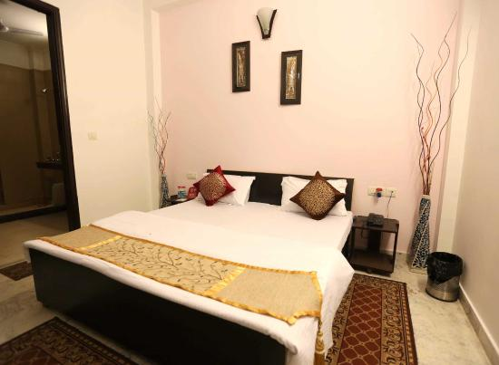 OYO Rooms Jaipuria Mall, Indirapuram