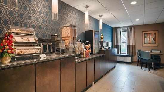 Best Western Plus Tallahassee North Hotel : Best Western Plus Tallahassee Dining Area