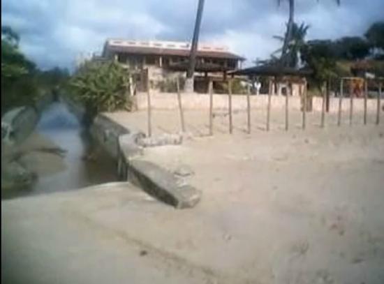 Pau Amarelo Beach