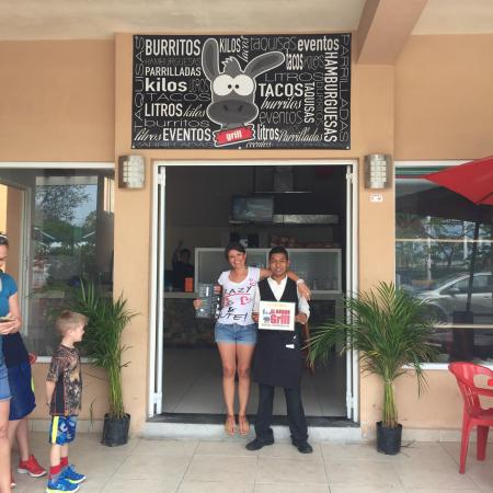 Puerto Aventuras Grill: New owners. Restaurant is now called el burro burrito