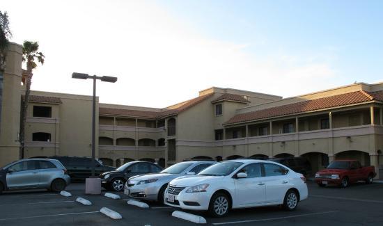 Comfort Inn Moreno Valley near March Air Reserve Base: vue depuis le parking