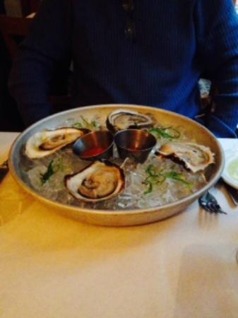 Bistro J: blue point oysters starter - large and delicious!
