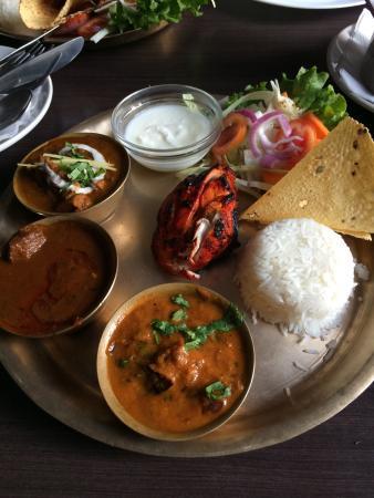 Spice Garden Restaurant : Три вида карри: куриное, рыбное и с ягненком.