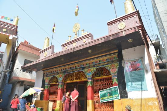 Majnu ka Tilla: Majnu-Ka-Tilla Temple