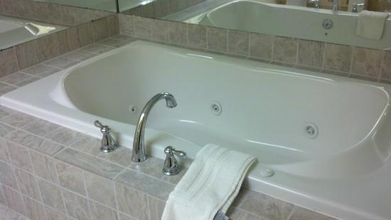 Bonnie Castle Resort: In Bath Jacuzzi
