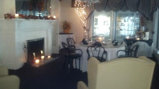 Bonnie Castle Resort: Fireside Dining Room