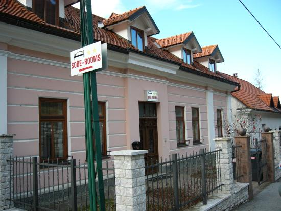 ‪Rooms & Apartments Cehovin‬