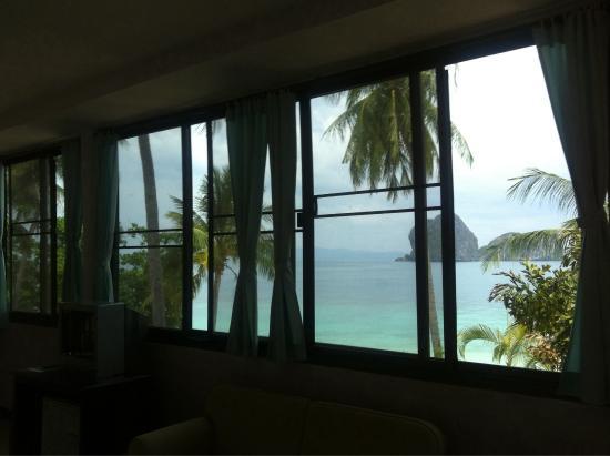 Koh Ngai Resort : Вид из окна номер делюкс номер 804