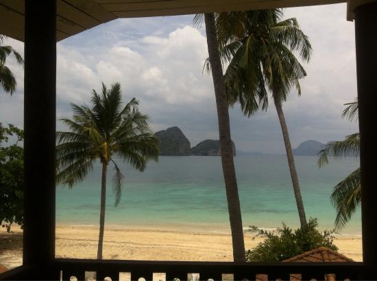 Koh Ngai Resort : Вид с террасы номер делюкс