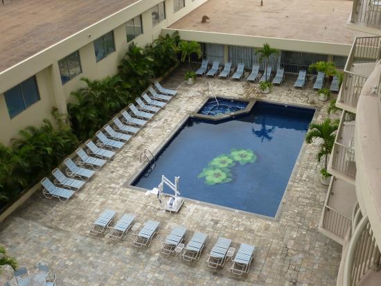 Ohana Waikiki East Hotel Pool
