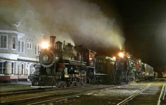 Nevada Northern Railway Museum: Locomotive 40 and 91 ready for departure from East Ely