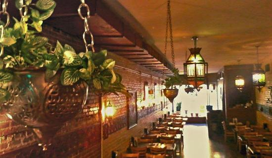Mediterraneo Grill: The dining room, a beautiful setting!