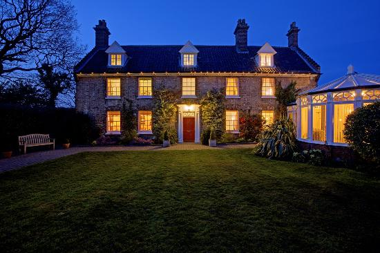 Incleborough House Luxury Self Catering: Incleborough at night