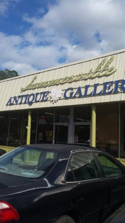 ‪Summerville Antique Gallery‬