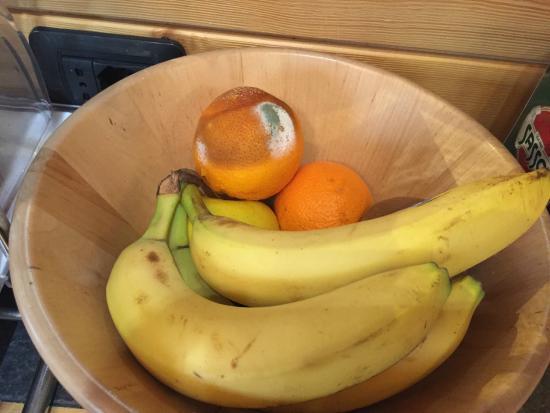 Hotel Marzia: fruits in the breakfast room