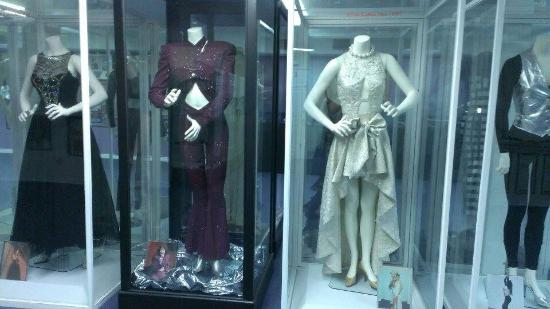 Selena Museum: Her clothes.
