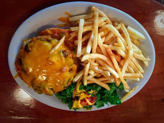 Grandpa's Grill : Green chile and cheddar charburger