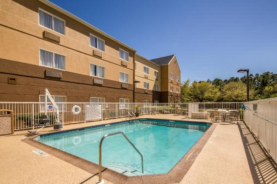 Fairfield Inn & Suites Jacksonville Airport : Outdoor Pool