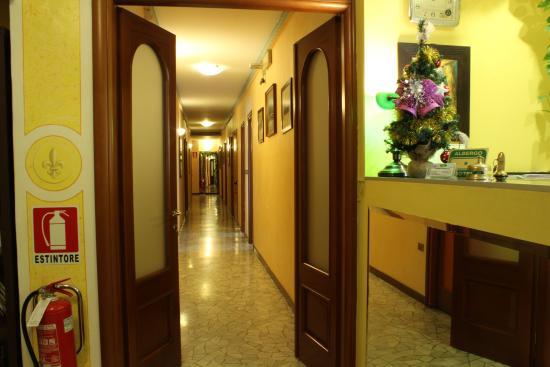 milano hotel america corridoio