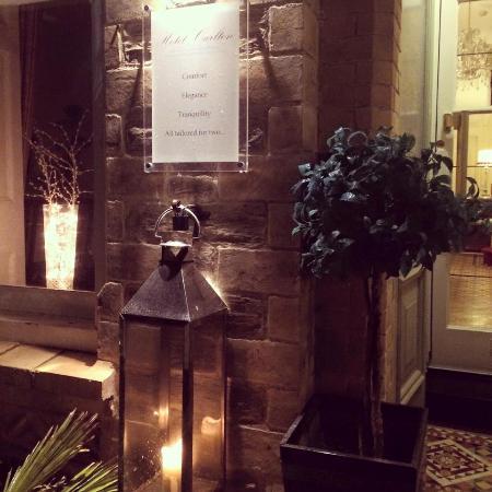 Hotel Carlton: The Carlton