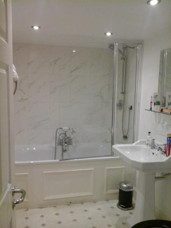 Castle Inn Hornby: Bathroom