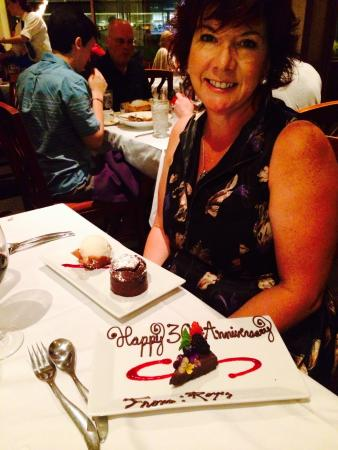 Roy's Waikiki Beach: They gave us another special desert