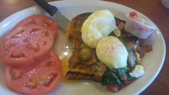 Berry Fresh Cafe: Chocolate chip pancakes Veggie Eggs Benedict